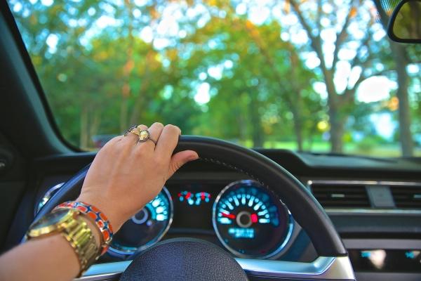 Zorg dat je dit standaard in je auto hebt liggen!-2021-03-15 08:36:52